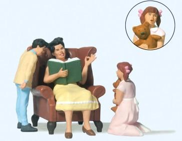 Preiser 44937 - 1:22,5 Moeder en kinderen bij het voorlezen