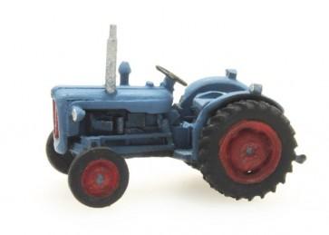Artitec 316.055 - Tractor Ford Dexta blauw  ready 1:160