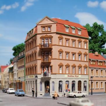 Auhagen 13334 - Eckhaus Markt 1