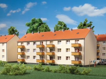 Auhagen 14472 - Mehrfamilienhaus