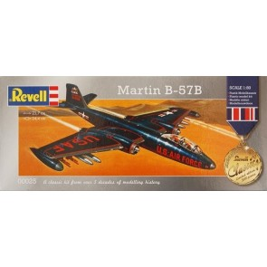 """Revell 00025 - """"Revell Classic; Limited Edition"""" 1:80 Martin B-57B"""