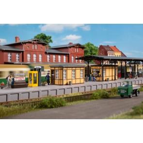 Auhagen 11452 - Bahnhofsausstattung