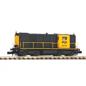 Piko 40424 - N-dieselloc 2418 grijs/geel A-verl. NS IV + DSS Next18
