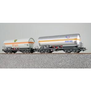 Esu 36527 - Gas-Kesselwagen Set,H0,ZAG 620,ESSO Gas 21 80 005 1 270-5+BP Gas 21 80 005 1 030-3,DB,Ep. IV,Vorbildzust. um 1970,silber+weiß,DC