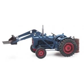 Artitec 387.313 - Traktor Ford met voorlader  ready 1:87
