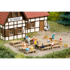 Auhagen 44650 - Bänke, Tische