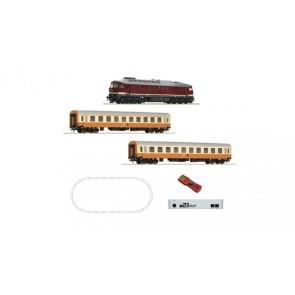 Roco 51301 - Digital z21® start Set: Diesellokomotive BR 132 mit Personenzug, DR