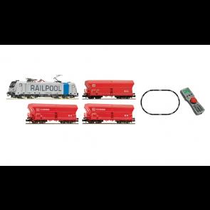 Fleischmann 931888 - Digitale startset Elektrische locomotief BR187 Railpool met goederenwagens, DB AG