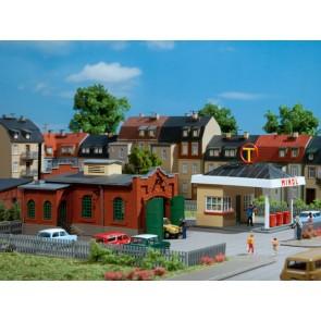 Auhagen 12227 - Tankstelle mit Kfz-Werkstatt