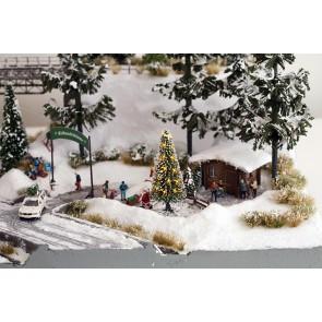 Noch 11912 - Weiße Weihnacht, Christbaum beleuchtet