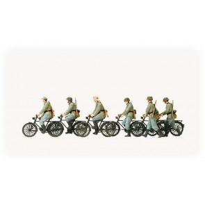 Preiser 16596 - 1:87 Fietsende en lopende militairen