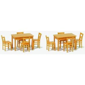 Preiser 17218 - 1:87 2 tafels  8 stoelen - Houtkleur