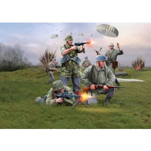 Revell 02532 - GERMAN PARATROOPS WWII
