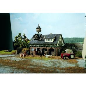 Vollmer 43726 - H0 Stall mit Taubenschlag und