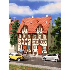 Vollmer 43847 - H0 Reihen-Doppelhaus mit Fach