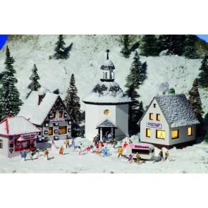 Vollmer 47613 - N Weihnachtsdorf mit Beleucht