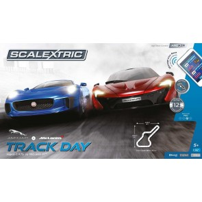 Scalextric 1358 - SET ARC AIR TRACK DAY *