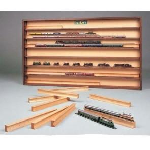 Kibri 12009 - Inzetstukken voor vitrine 12010. 21 stuks (naturel hout)