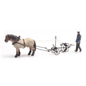 Artitec 387.392 - Paard met ploeg
